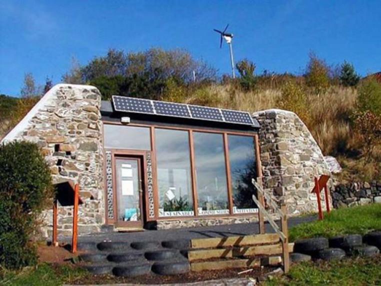 7 000 დოლარად შეგიძლიათ ააშენოთ სახლი, რომელსაც გათბობა და ელექტროენერგია არ სჭირდება